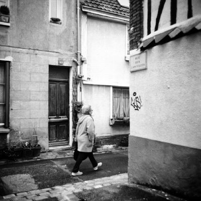 Igersrouen Igersfrance Rouen Streetphotographie Streetphotography Urbanlandscape Paysage Normandie N &bB &wPhotography Photographie  Pictoftheday Pictoftoday Instacool MamiyaC330 Film Filmphotography Filmisnotdead Ishootfilm