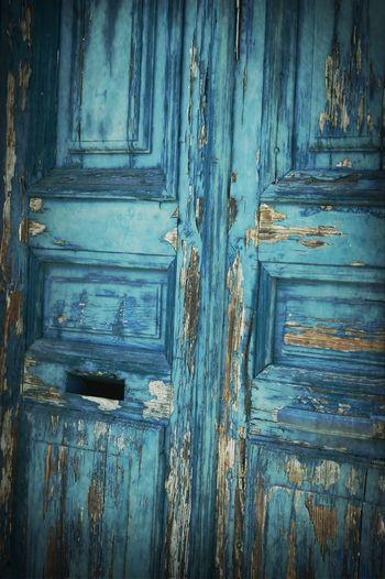 La Porte Etait Bleue