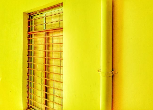 Paint The Town Yellow Yellow Built Structure No People Architecture Building Exterior Outdoors Mobile Photography Mobilephotography MotoE Glow