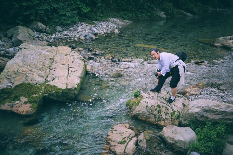 Out Of The Box Water One Person Outdoors Nature Real People Day Men Adults Only Standing One Man Only Young Adult The Human Condition The Great Outdoors - 2017 EyeEm Awards High Angle View People Shoe Summer Sommergefühle