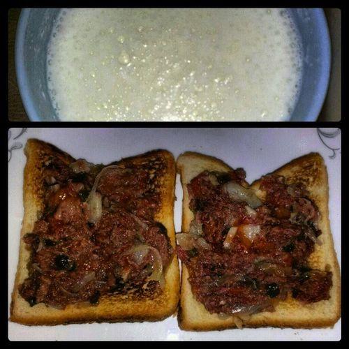 My midnight snack... Thx Grandma!!! Toast Cornmutton Milk Complan Guyanesestyle lash