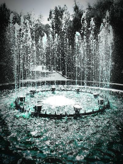 Awesome shot of a fountain! Check This Out Taking Photos Water Blue Dark Fountain Water Fountain Hi!