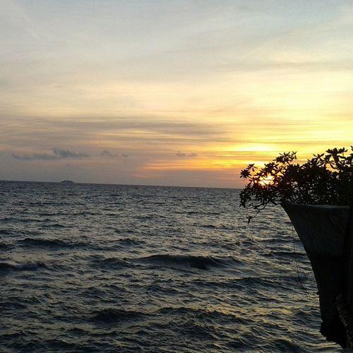 Chasing sunset Nofilter Photography Westcove BoracayIsland