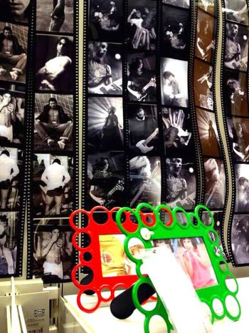 The things for pictures~Les trucs pour mettre des photos (放置照片的什物) Photo Frame Picture Frame IKEA Colors Guangzhou China
