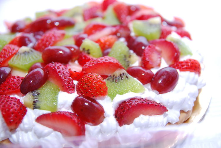 Close-up of pavlova in plate