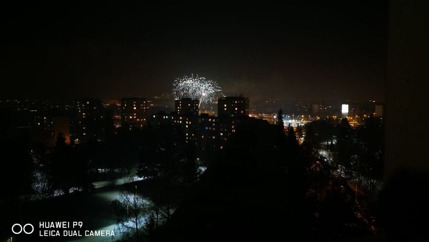 Nofilter Original Photography Sky Night City Cityscape Outdoors PhonePhotography Leicacamera HuaweiP9 Slovakia🇸🇰 Huawei P9 Leica Prešov Fireworks NewYear NewYearEve2017 Illuminated No People Skyscraper
