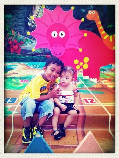 love u both mwuaah!!!