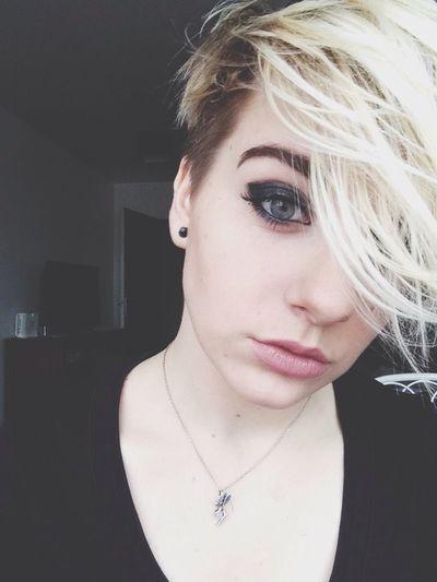 Short Hair Sidecut BlueEyes Blond Hair