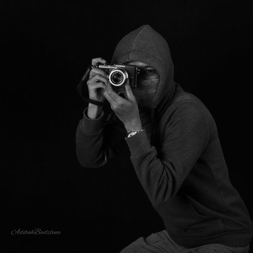 I'm photographer.. Black And White People Photography Nikon Photographer Human Relation Taking Photos IPhone Photography Darkness And Light Minimalist Portrait Of A Friend