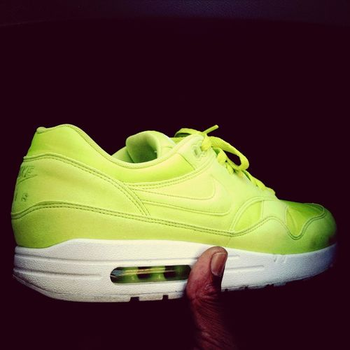 getting my Miami neon Air Max '89 on!