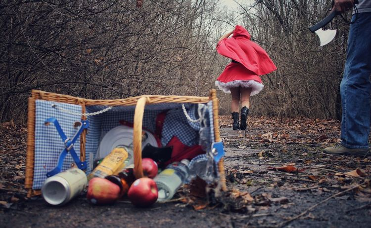 Run, Red! Run!! Photography Fairy Tale Little Red Riding Hood Model Creepy Woods