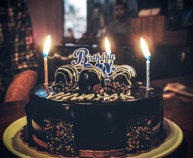 Cake Birthday Cake Flame Dessert Heat - Temperature Birthday Birthday Candles Illuminated Burning Cake Celebration Candlelight Candle Lit Darkroom