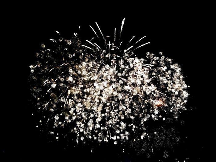 Font mágica de Montjuic Sasha_Fuster P10 Leicacamera SPAIN Barcelona Platjadelabarceloneta Happy New Year 2018 The Year Exploding Motion Abstract No People Black Background Arts Culture And Entertainment Studio Shot Close-up Night