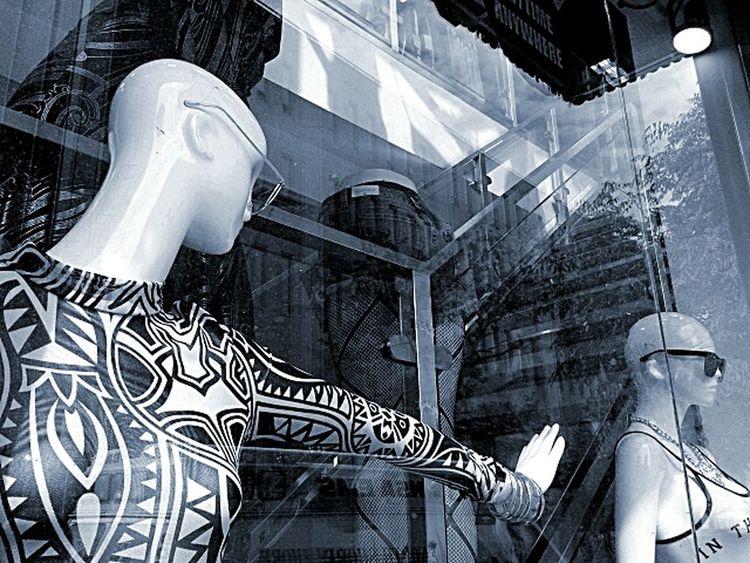 Fulcrum point.photo by Shell Sheddy Bnw_friday_eyeemchallenge Fulcrum Shellsheddyphotography Sheshephoto The Street Photographer - 2016 EyeEm Awards Fashionista Lines&Design NYC Street TakeoverContrast