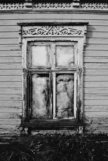 working class area with old abandoned houses... Abandoned Architecture Building Exterior Built Structure Closed Damaged Door Entrance House Obsolete Old Outdoors Protection Here Belongs To Me Weathered Window Wood Wood - Material Wooden Old Buildings Windows Drafty Draftyhouse Black And White