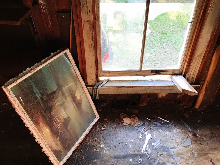 EyeEm Selects Window Indoors  House Abandoned Day No People Home Interior Exploring Broken Glass Painting Haunted House