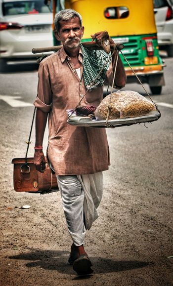 HARDWORKING Potrait_photography Streetphotography Mahen10j Street Portrait Street Market Street Life Streetphoto Street Oldmanportrait Canonphotography Mahens10j Oldman Googlesnapseed Canon77d Canonphotography Street Art Street Photography Hardworking Hardworkingman Man Old Man Portrait Men Standing Suitcase Old-fashioned Street Scene
