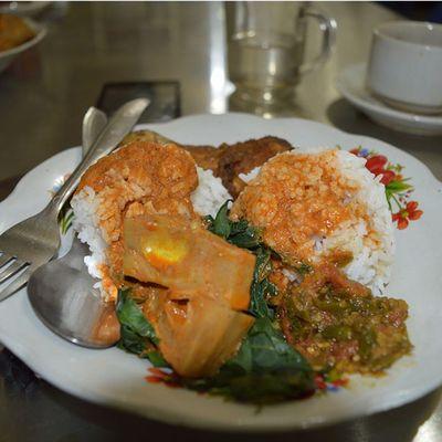 """""""Nasi padang"""", emang seperti ini nasi di padang???...Masakanindonesia Makanan Masakanrumah Masakan Masakanrumahan Foodies Food Cook  Cooking Chef Koki Kuliner Culinary Cullinary"""