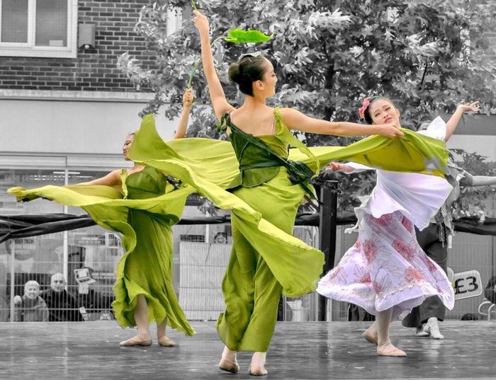 Dancing Dancer Motion Elégance Performance Green Color People