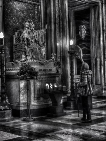 Basilica di Santa Maria Maggiore / Roma Real People One Person Religion Full Length Place Of Worship Spirituality Moving Around Rome