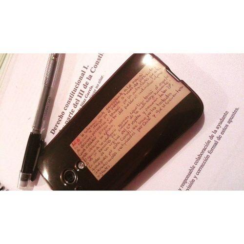 Hahaha 😂 Consti Metodosdeestudio Constiteodio Constidelmal phone studying studynight uct art5 lawstudent law lawyer derecho Chile black 🌑