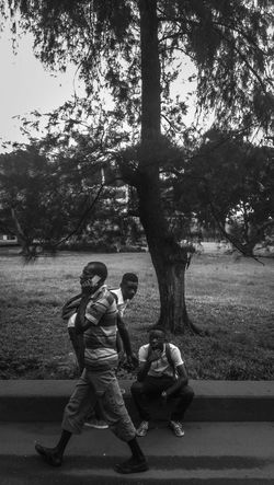 Everyday people. Passersby Street Streetphotography PhonePhotography Treesandpeople, EyeEm Best Shots EyeEm Gallery EyeEm Best Shots - Black + White Eyeem Nigeria Lagosphotographer Lagos Portrait