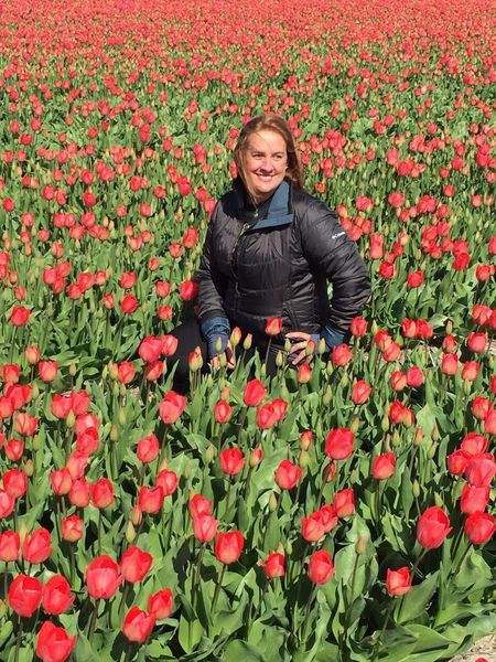 Flower Young Women Beauty In Nature Red Looking At Camera Vibrant Color Holand Tulips🌷