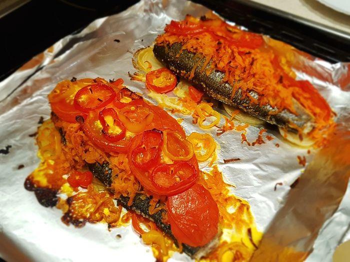 Fish with vegetables Еда хавчик Fish Food Vegetables Baked Fish Ovencooking Cooking Seabass сибас Prepared Food рыба жареная рыба печеная рыба Seafood Close-up Food And Drink Served Prepared Food Japanese Food