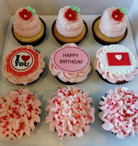Birthday Cupcakes Made By Me ! I Love My Job ❤ Yummy♡ 😊😋😙