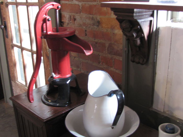 Bowl And Pittcher High Angle View Indoors  No People Still Life Table Vintage Vintage Shopping Waterpump