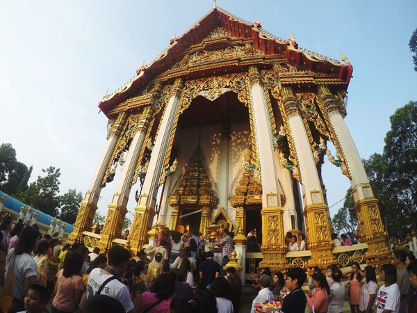 Large Group Of People Religion Built Structure Architecture Place Of Worship Spirituality Building Exterior Day Real People Men Statue Sky Sculpture Travel Destinations Tree Outdoors Women Clear Sky Crowd People งานบวช Temple Thai Thailand The Great Outdoors - 2017 EyeEm Awards