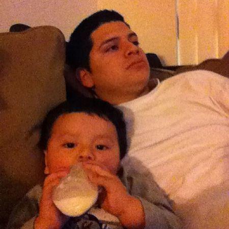 Cuddling with daddy ? Wornout Mimis @elinaraujo