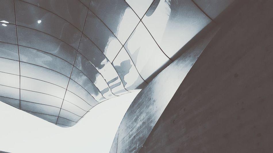 Close-up Zaha Hadid ZahaHadid Architecture Architecture_bw Bnw Architecturephotography Innsbruck Interior Architecture Facade Reflections