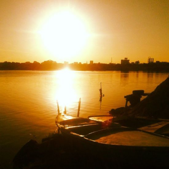 "Sunset is always as adorable as the ""good bye"" after a great date. Everydayegypt Ismailia Sun Sunset sunny love lovely goodday everydaymiddleeast vsco vscocam picsart Egypt nice fine happy happiness picoftheday photooftheday igers instagood instadaily all_shots boat boats water orange lake lakes"