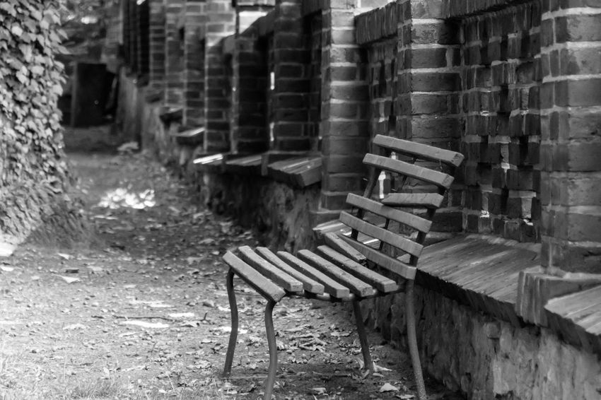 B&w Black And White Broken Damaged Mauer Parco Park Parkbank Parkbench Seating Bench Sitzbank Wall