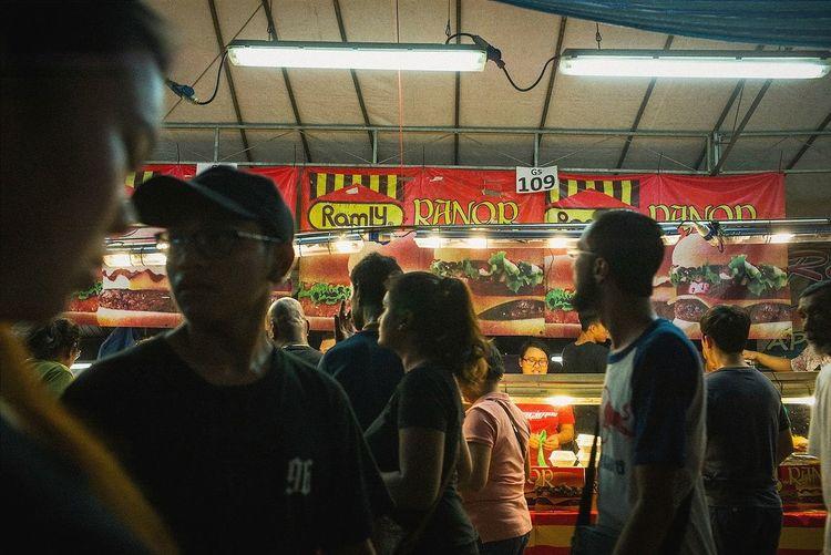Ramadan Bazaar, Geylang Serai Streetphoto_color Singapore The OO Mission Street Photography