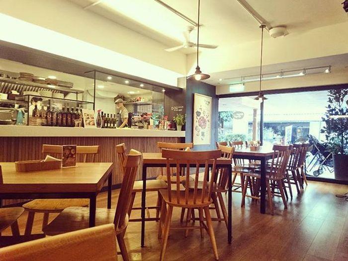 Kayakaya café Taiwan Taipei Cozy Interior Wood Restaurant Pic Cafe 美食 木 台北