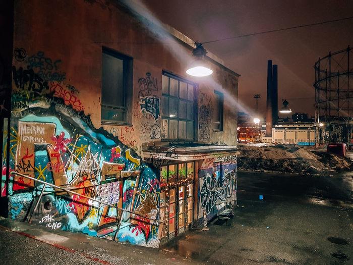 Ghetto Spraying City Street Art Illuminated Graffiti City Street Destruction Spray Paint Bleak Flood Vandalism Decline Light Deterioration Aerosol Can Light Trail Obsolete Ghost Town Shipwreck Light Painting