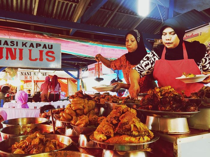 Collected Community Minangkabau Restaurant Minangkabau Food Working Together INDONESIA