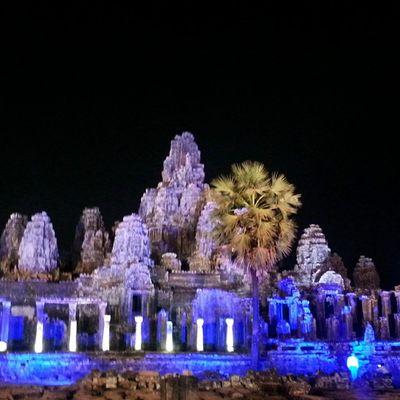 Bayon Temple at night. GalaDinner Unesco UNWTO Cambodia BayonTemple Siemreap Wanderkat Heritagelife Angkorwat Gounesco