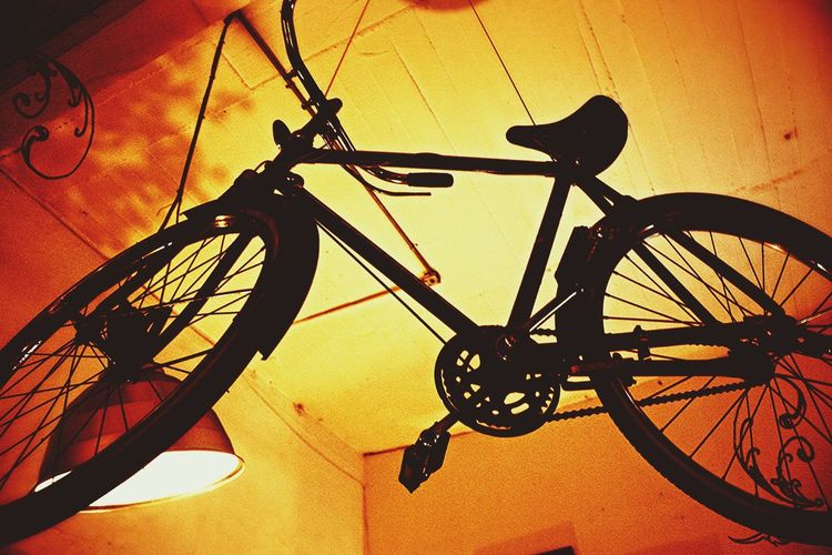 Fly Me To The Moon Bicicle Bicicleta Voladora My Unique Style Enjoying Life