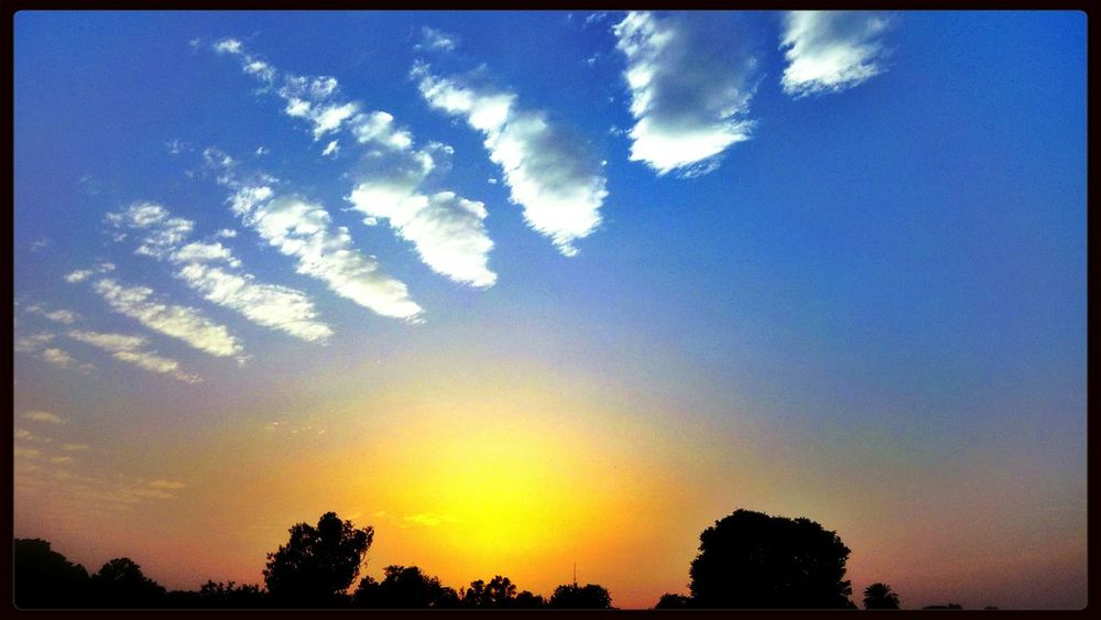 Sunset #sun #clouds #skylovers #sky #nature #beautifulinnature #naturalbeauty #photography #landscape HamzaAzizPhotography