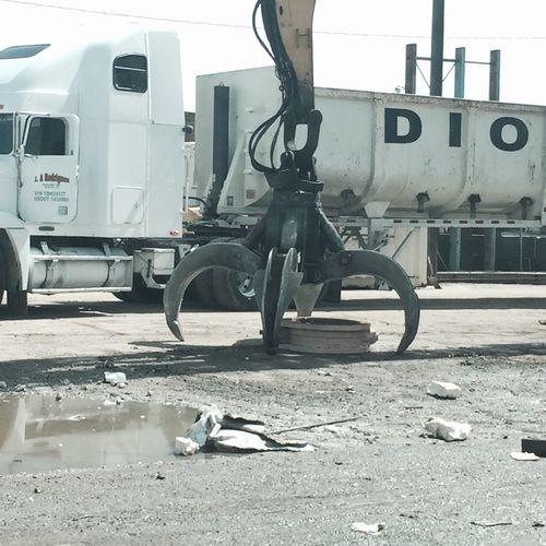 At the scrap yard.~😁✨✌️ Photographer Scrap Yard
