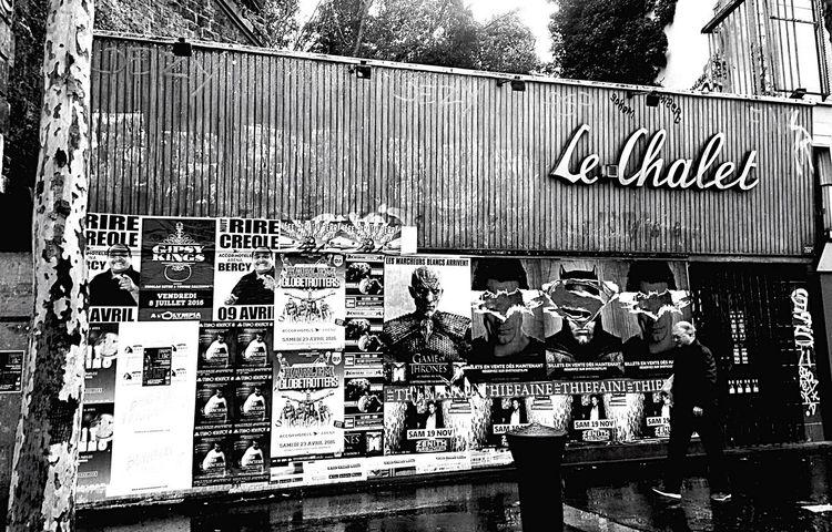 Le Chalet Streetphotography Rainy Day Blackandwhite