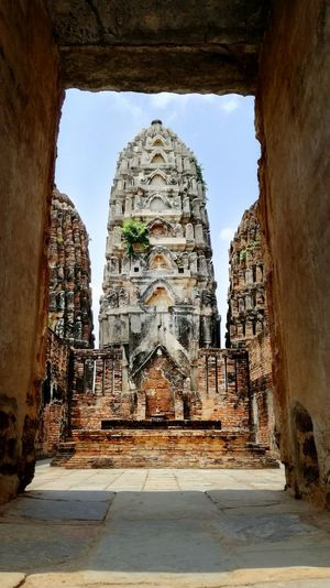 Ruins Travel Destinations History Old Ruin Ancient Travel The Past Archaeology Architecture Place Of Worship Ancient Civilization Ancient History No People Outdoors Day Thailand Sukothai