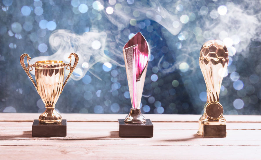 Achievement Awards First Hot Leader Smoke Smoking Trophy Waiting Competition Cup Distant Leadership Metal Mist Reward Selective Focus Sports Still Life Success Table Winner