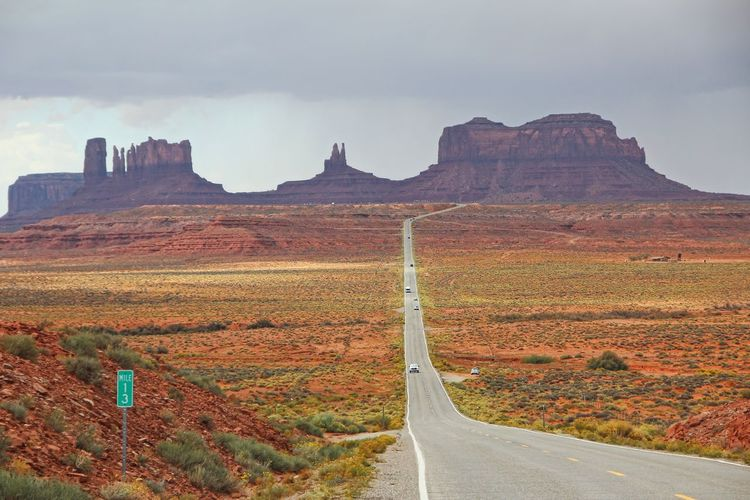Beautiful monument valley Sky Road Landscape Scenics - Nature Environment Transportation Mountain Beauty In Nature Nature Day No People Cloud - Sky Rock Non-urban Scene Rock Formation Tranquil Scene Tranquility The Way Forward Rock - Object Land Outdoors Formation