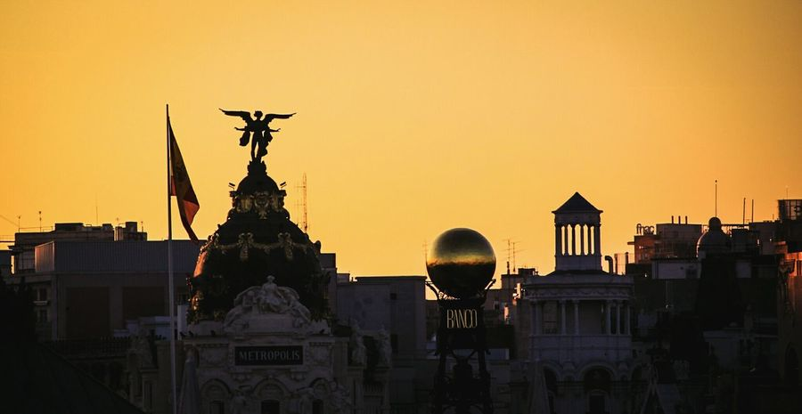 Silhouette Sunset City Architecture Travel Destinations Statue Sky No People Cityscape Outdoors Check This Out EyeEm Gallery Madrid Spain Madrid Madrid, Spain Plaza De Cibeles Madrid Building Exterior Metropolis Urban Skyline Banco De Espana Gold Ball Travel Adapted To The City The City Light Welcome To Black
