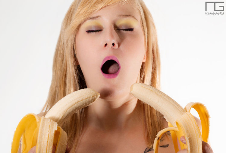Banana #alternative Model Portrait #makeup #fruit Mouth Nogawdphotos Human Lips Human Hand Young Women Portrait White Background Facial Mask - Beauty Product Beautiful Woman Beauty Human Face Studio Shot Eye Make-up Eyeshadow