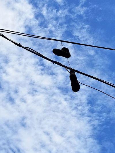 Hanging! Shoe